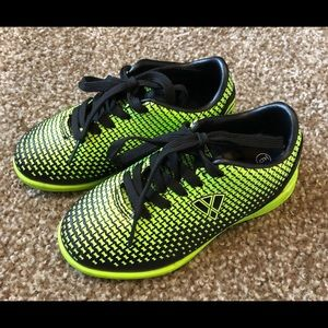 Small Kids size 9 Vizari Indoor Soccer Shoes